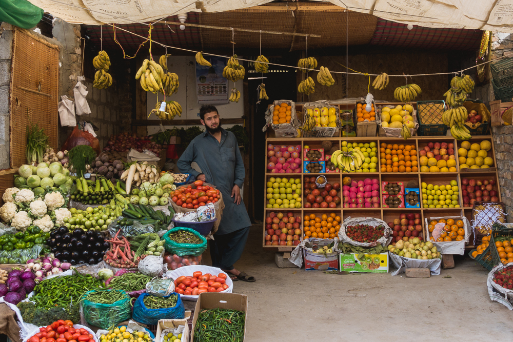 Pakistanischer Obstverkäufer